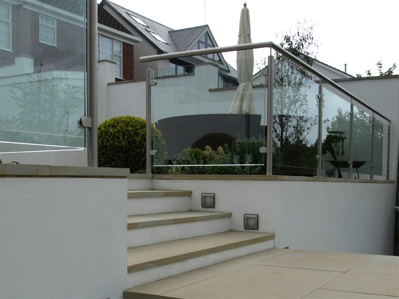 Glass and stainless steel balustrade