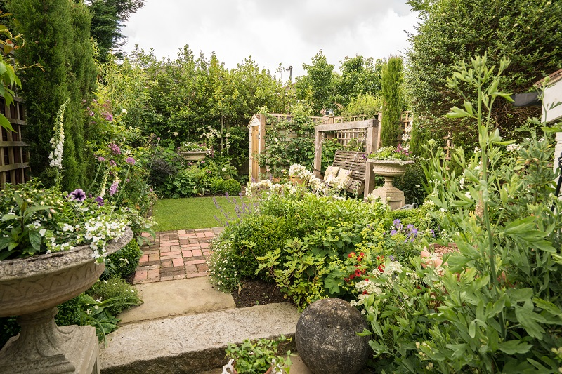 The lovely garden garden design brighton landscapers for Garden design east sussex